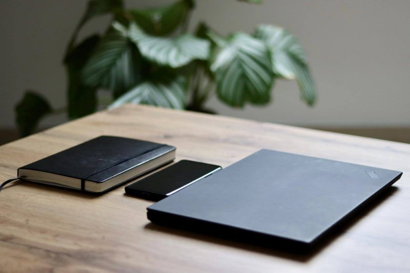 Mein Setup: Bullet Journal, Smartphone und Laptop